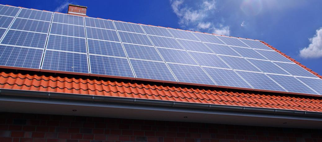 Reinigung von Solardächern